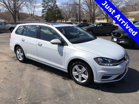 Certified Pre-Owned 2018 Volkswagen Golf SportWagen SE